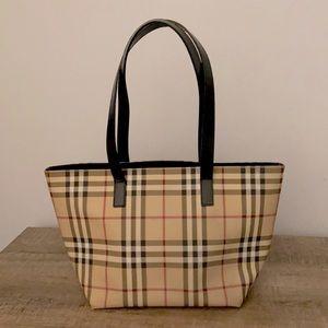 Sale❣️ NWOT Burberry Bucket Bag Shoulder Purse